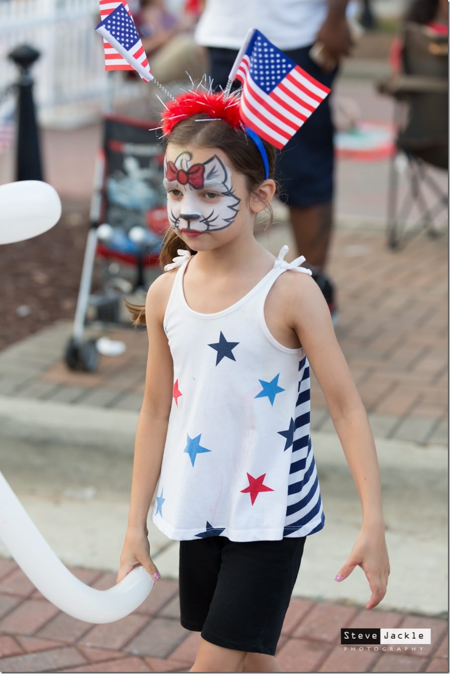 brier-creek-commons-fireworks-celebration-2016-flag-girl-1