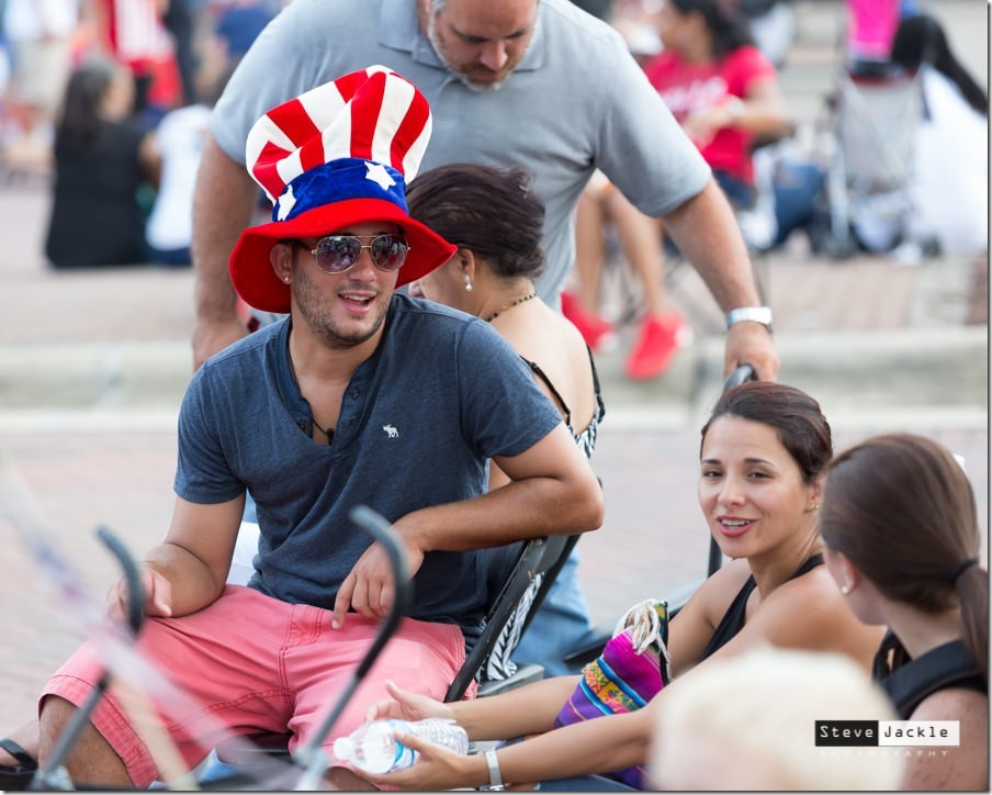brier-creek-commons-fireworks-celebration-2016-flag-hat-1